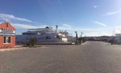 5- Yacht Master 200 T